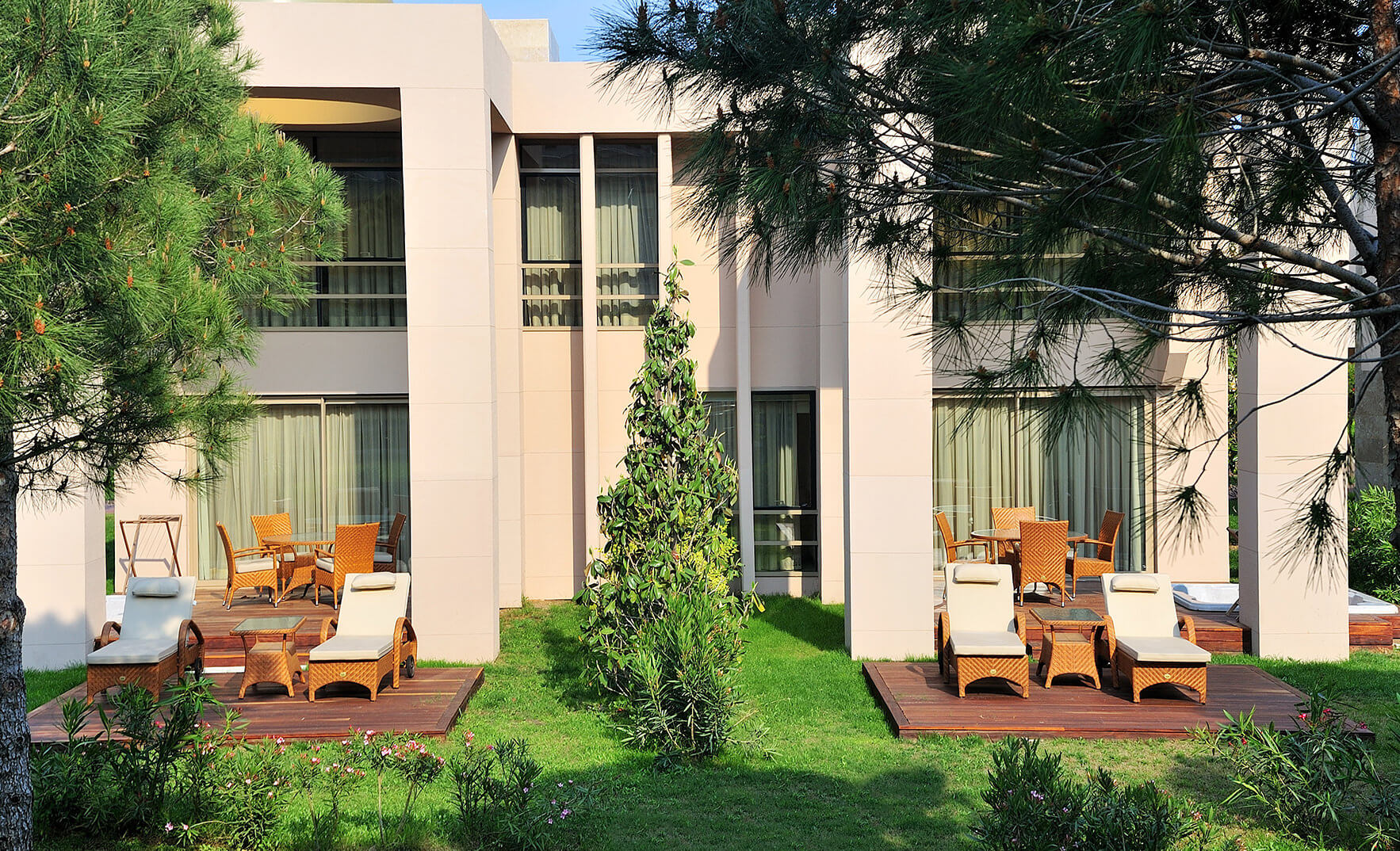 Accommodation gloria hotels resorts belek antalya for Gardens and villa